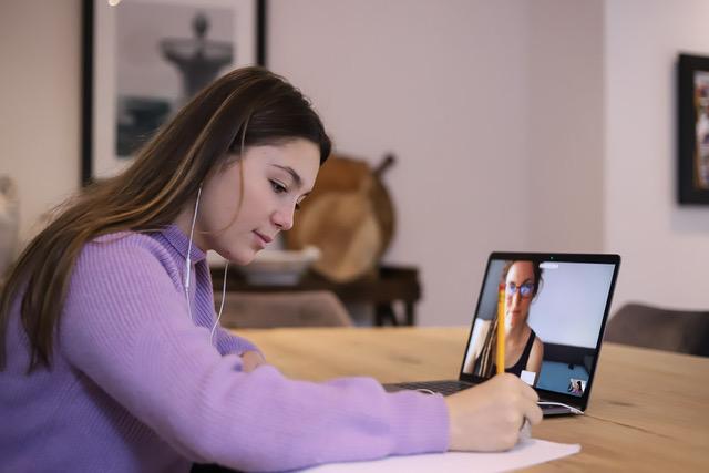 Averroes e-learning offre un soutien qualitatif et sur-mesure en visioconférence