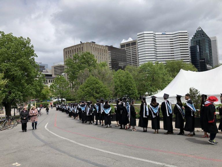 la cérémonie de la graduation